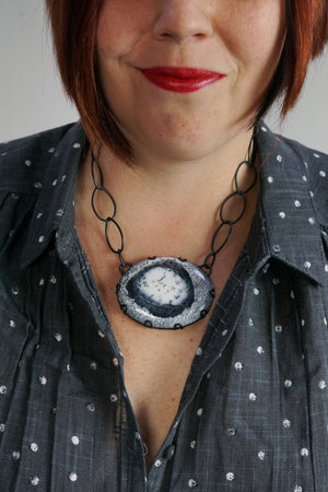 oval Contra necklace