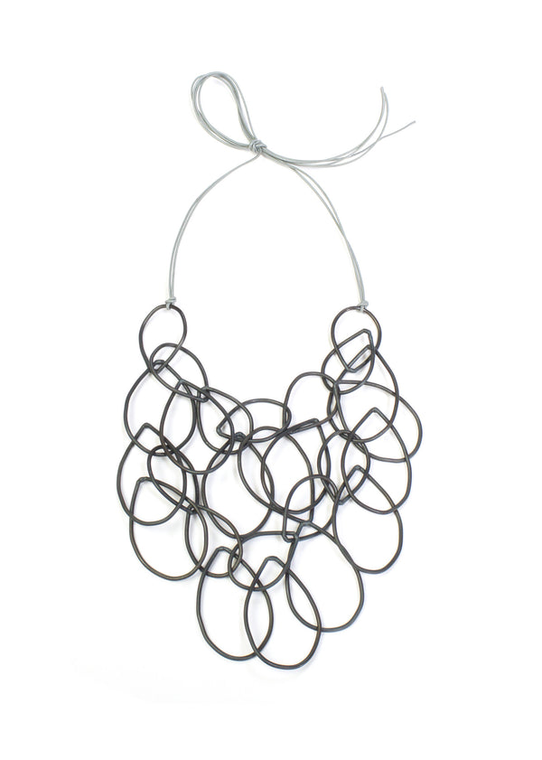 Elizabeth necklace in steel