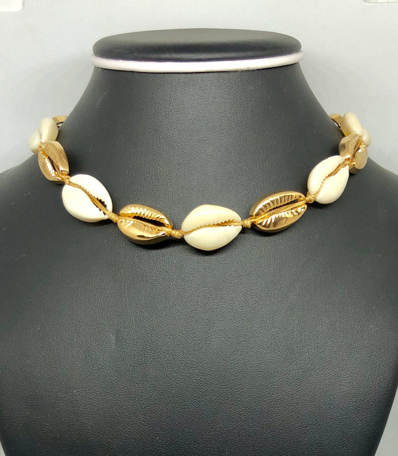 Boho Beach Saint Tropez Shell Collar