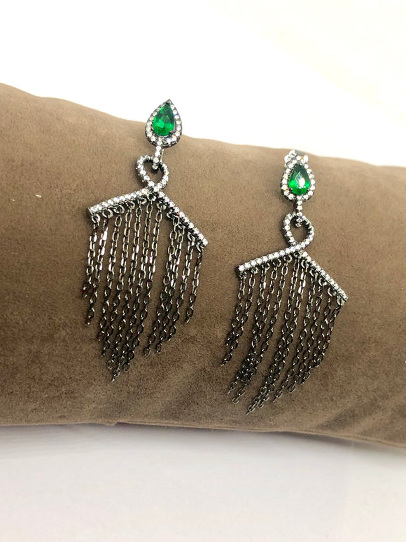 Fringes Donna Earrings