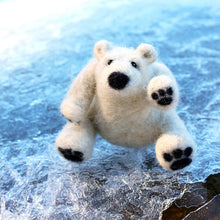Load image into Gallery viewer, POLAR BEAR NEEDLE FELTING DIY KIT