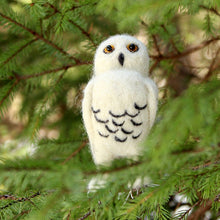 Load image into Gallery viewer, SNOWY OWL NEEDLE FELTING DIY KIT