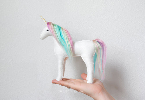 PASTEL RAINBOW UNICORN - DIY FELT SEWING KIT