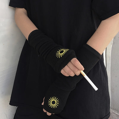 Dark Embroidered Gloves DB4266