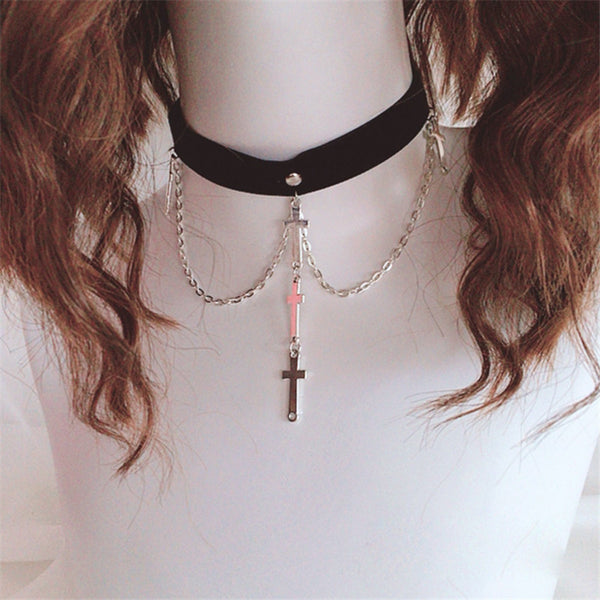 Dark Cross Necklace DB6412