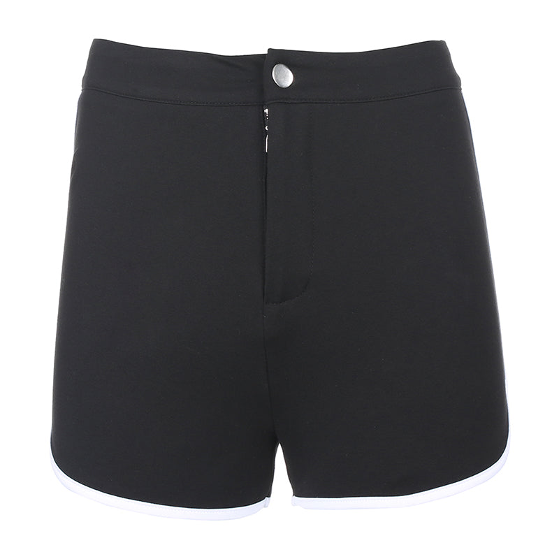Chic black shorts      DB5590