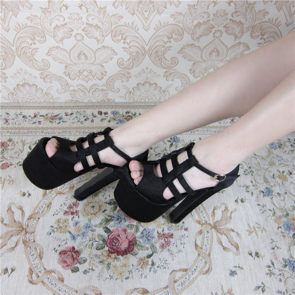 Openwork black high heels DB3059