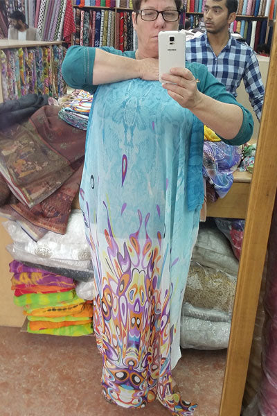 Alison-with-fabric-this-year-in-india-blog
