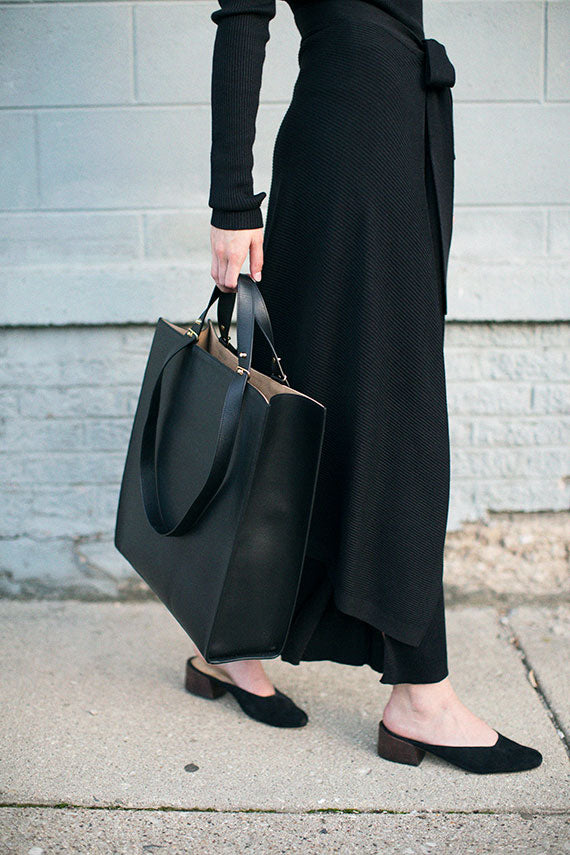 Black Tall Ray Tote