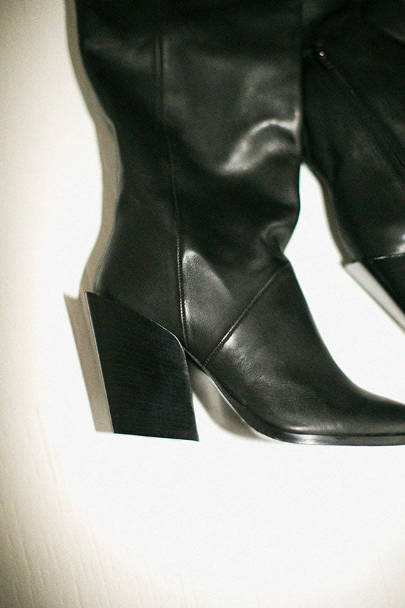 Black Lazar Boot