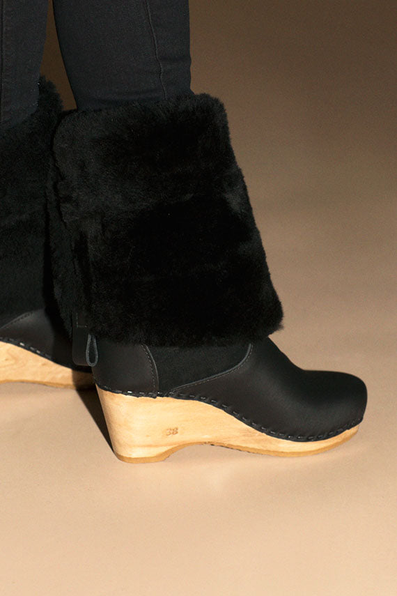 "Black 15"" Shealing Wedge Boot"