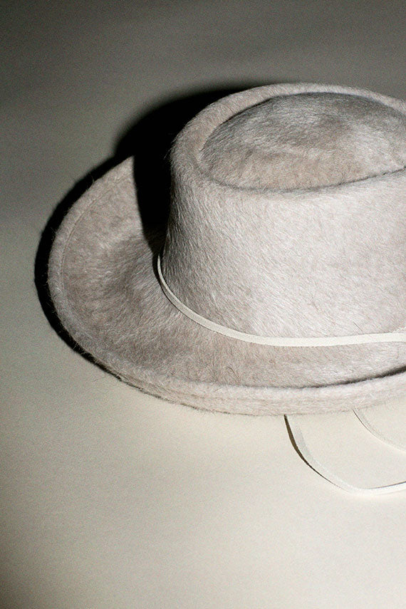 Alabaster Long Hair Gambler Hat