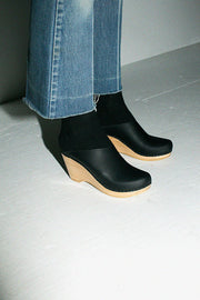 Black New School Clog