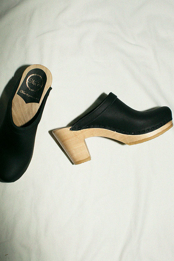 Black Old School Clog on High Heel