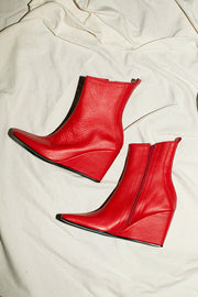 Red Tecno Boot