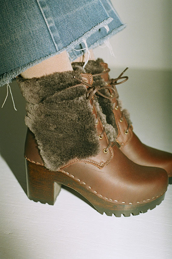 Molasses Audobon Lace Up Clog Boot