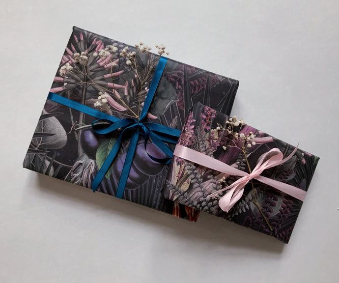 PLUMS RECYCLED Wrapping paper
