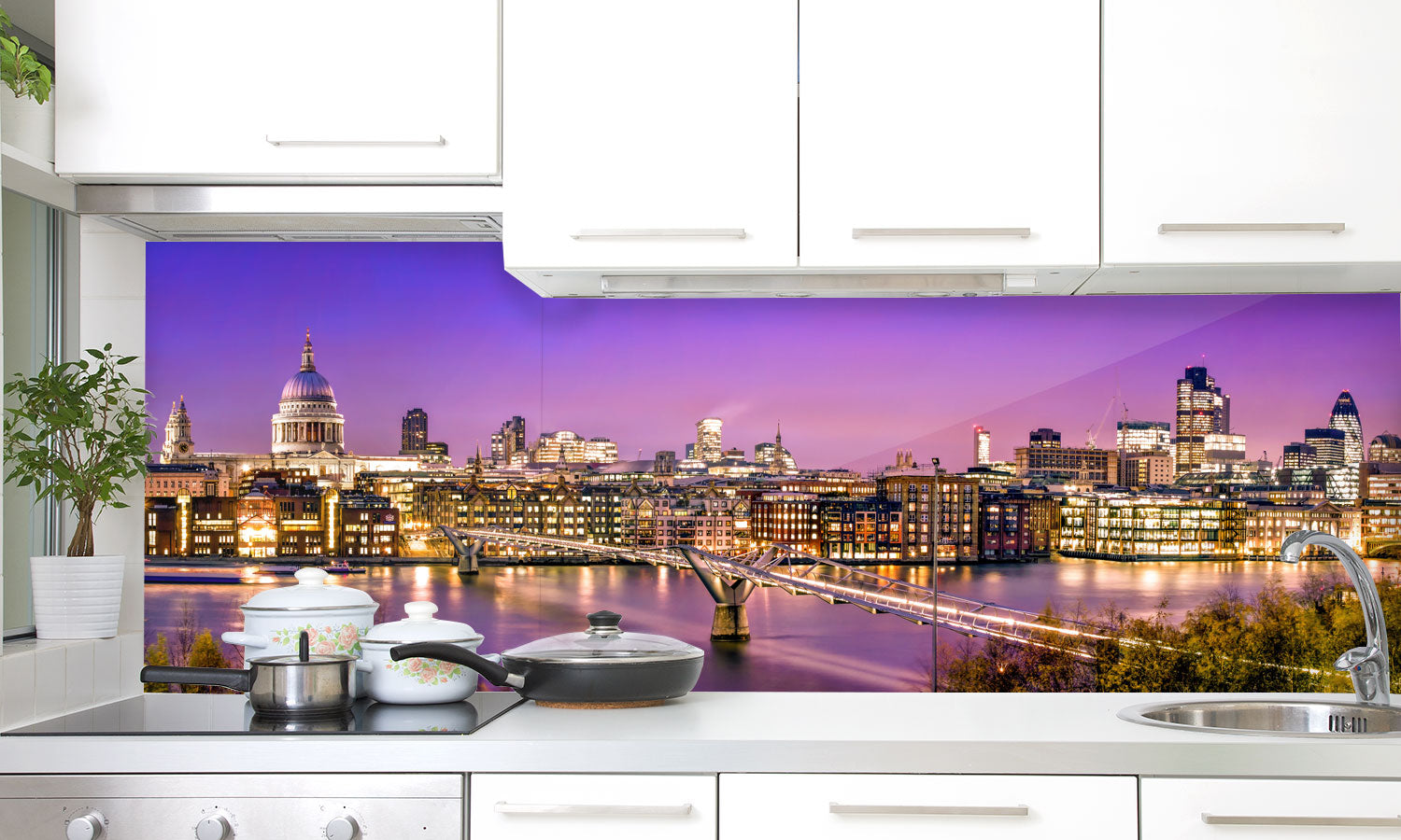 Kuhinjski paneli City of London at twilight - Stekleni / PVC plošče / Pleksi steklo - s tiskom za kuhinjo, Stenske obloge PKU0251 - Life-decor.si