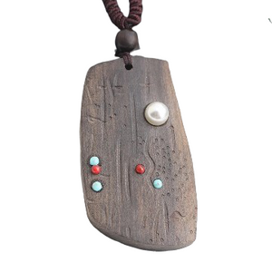 Board Sandalwood Necklace