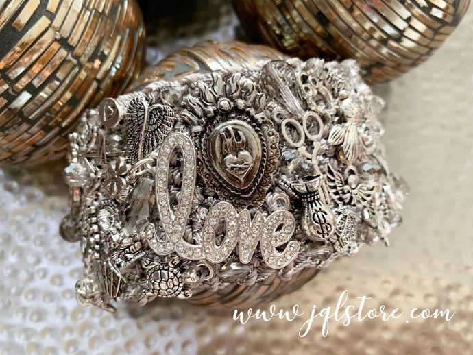 Brazalete Grande Corazon Exclusivo JQL