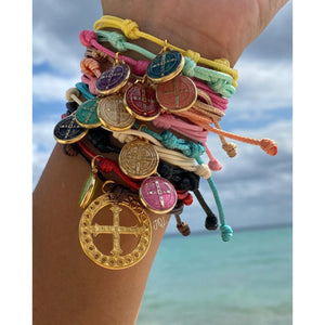 Kit Pulseras Triple Nudos Colores Mix con Medallas y Pulsera Cruz