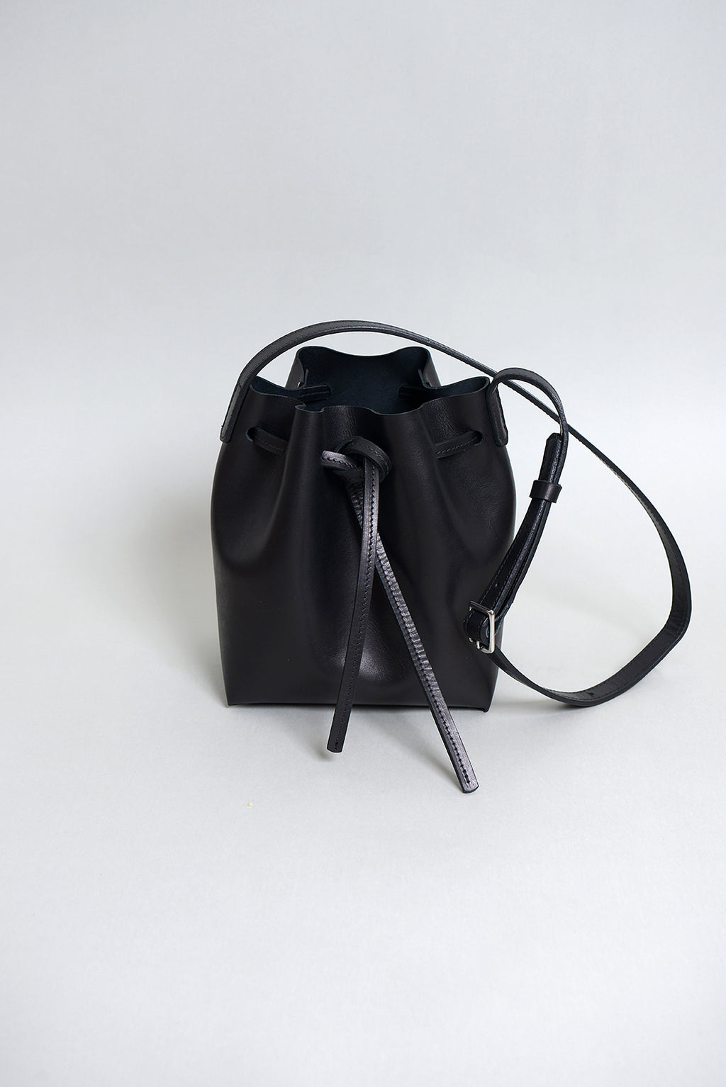 Handcrafted Black Leather Bucket bag