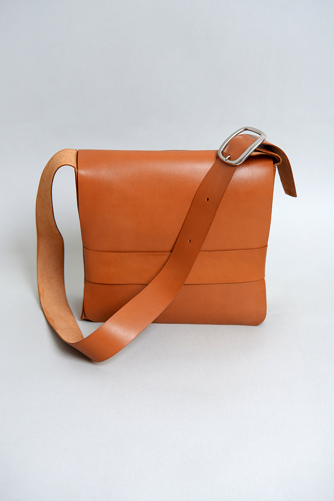 Handcrafted Tan Leather Retro Satchel