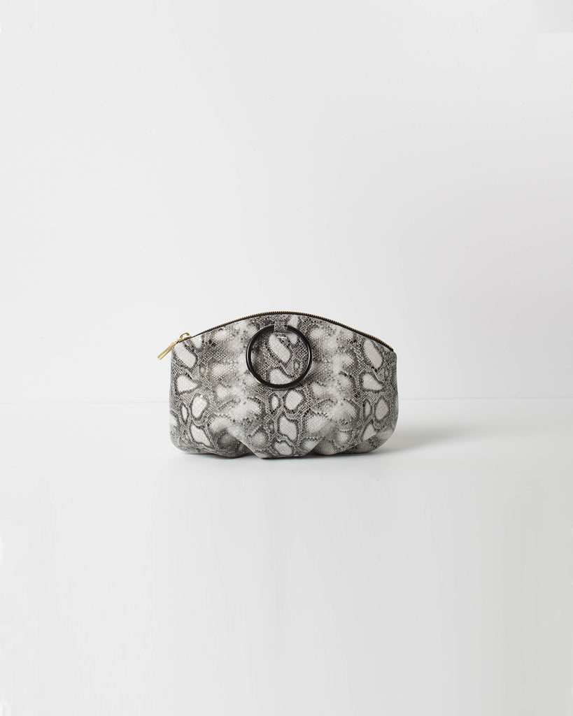 Pochette with Horn Ring - Boa