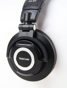 Tascam High Definition Monitor Headphones /w Detachable Cables - HD Source