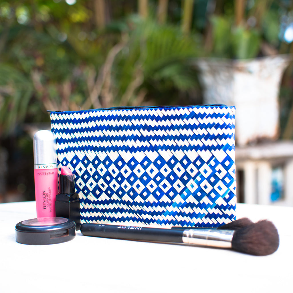 Banana Weaved Seaside Make Up Bag