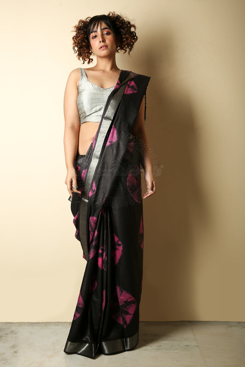 Black Tie And Dye Bandhani Printed Saree With Zari Border And Pallu - Charukriti.co.in