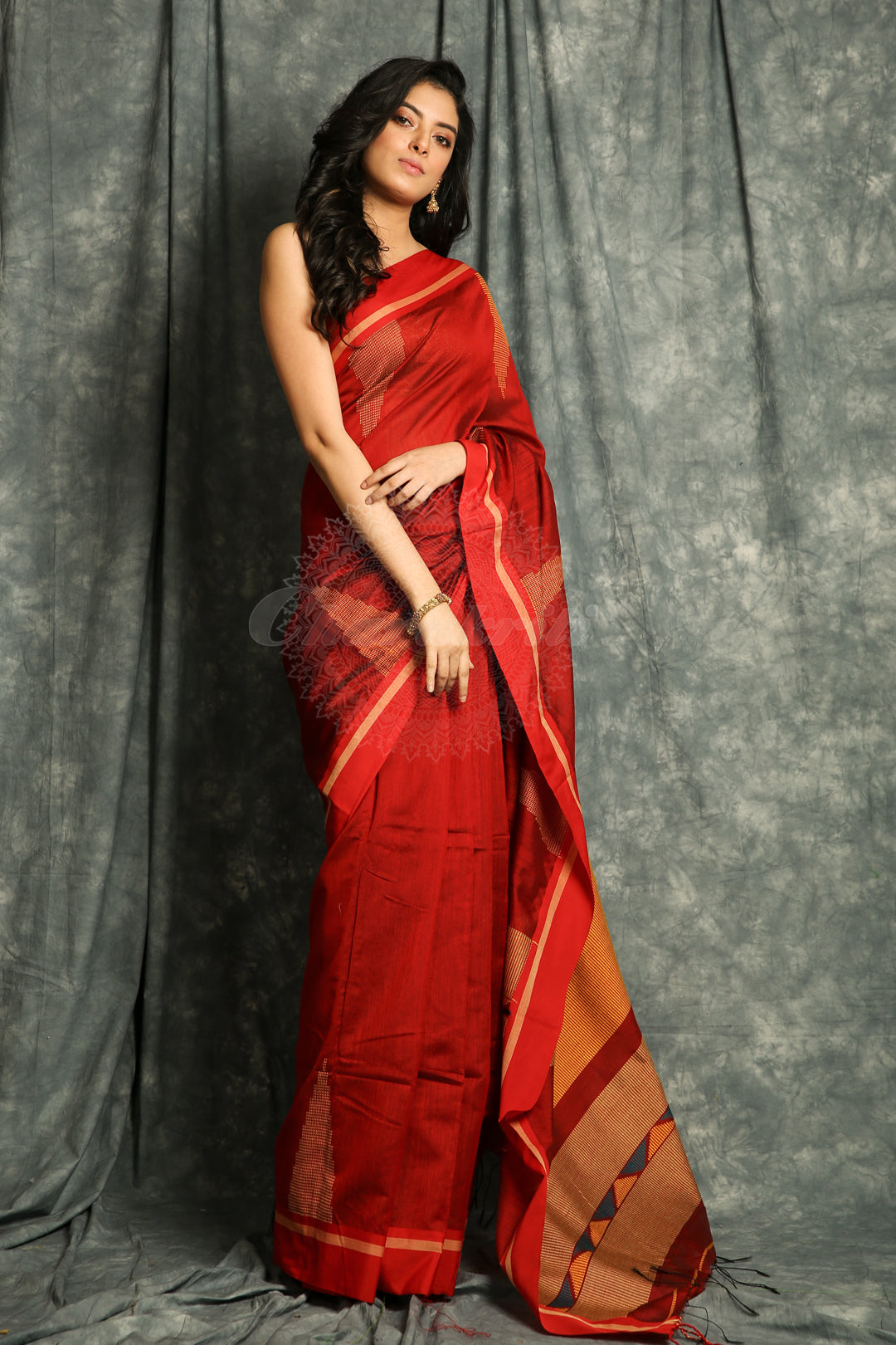 Red Temple Design Handloom Saree With Geometric Weaving Pallu