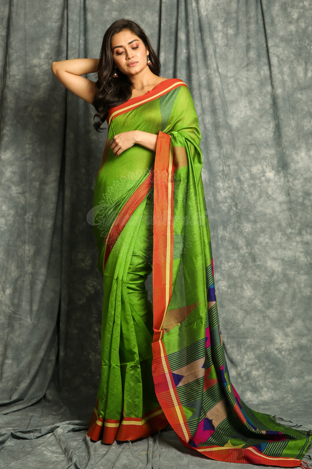 Temple Design Green Handloom Saree With Weaving Pallu