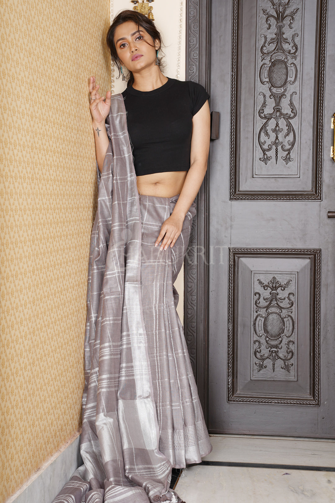 GREY CHECKERED LINEN SAREE WITH ZARI BORDER