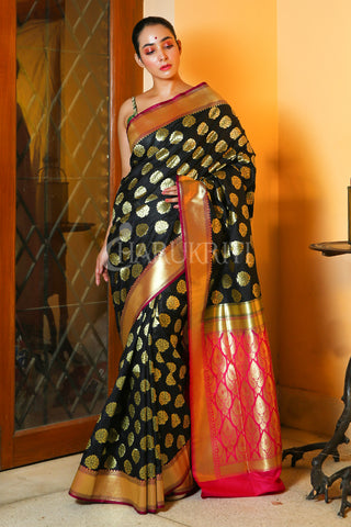 BLACK BANARASI SAREE WITH ALL OVER ZARI WORK AND PINK PALLU