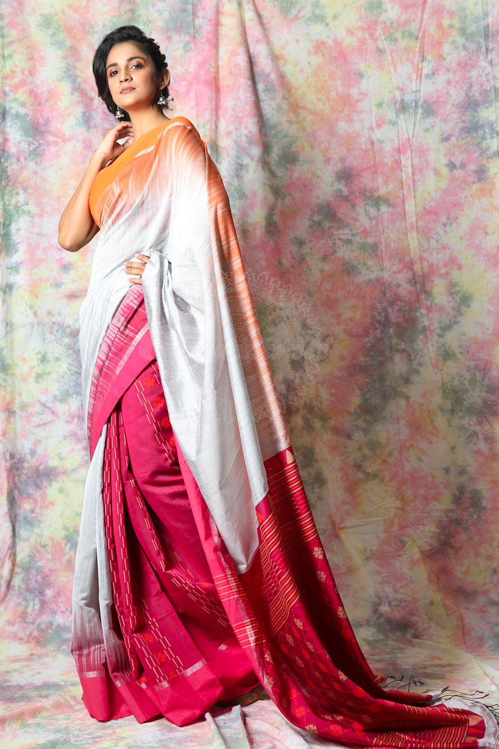 Steel Ikkat Style Handloom Saree - charukriti.co.in