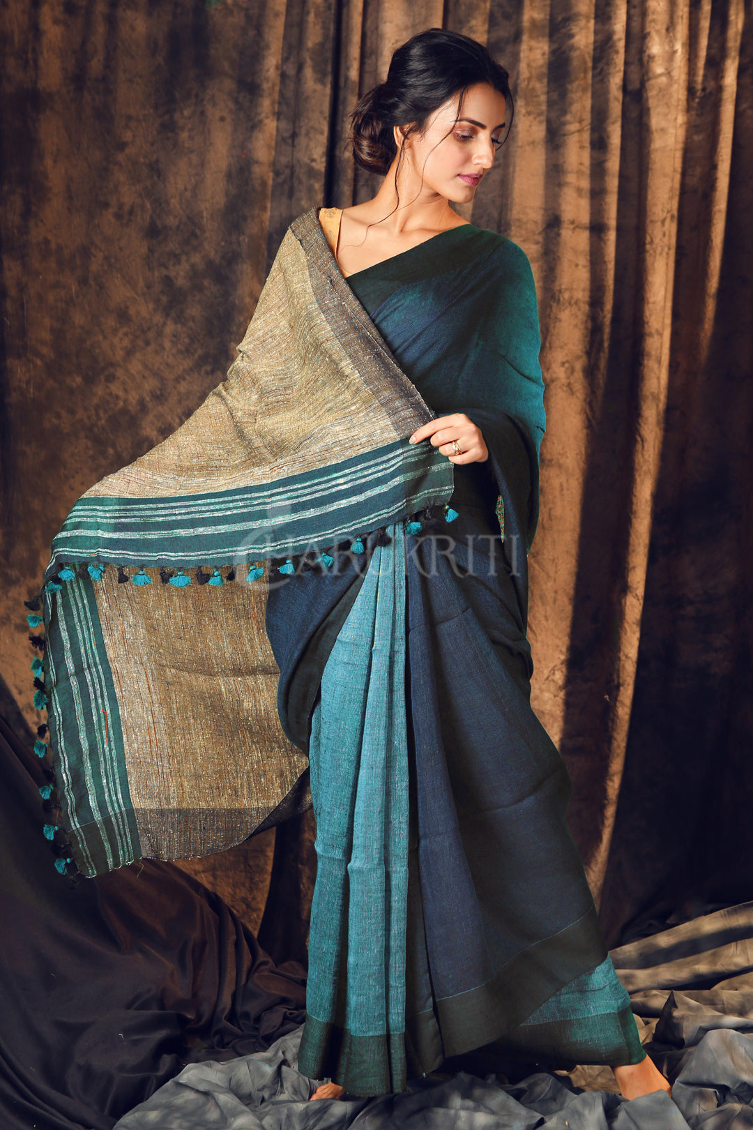 BLUE PURE LINEN SAREE WITH GHEECHA PALLU