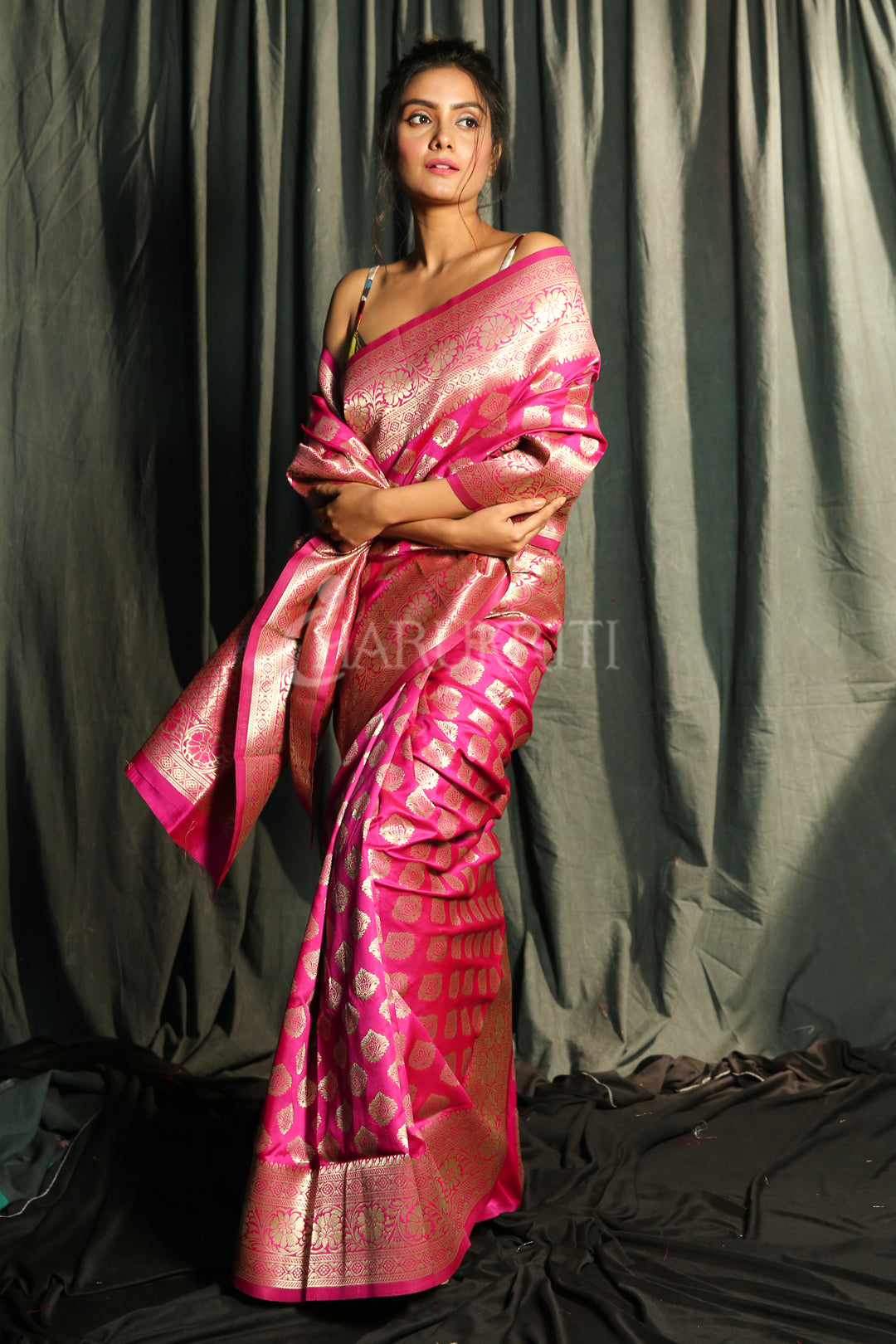 MAGENTA BLENDED SILK SAREE WITH FLORAL ZARI BORDER AND PALLU