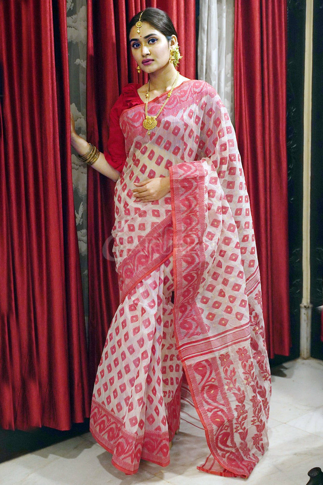 WHITE AND RED JAMDANI SAREE WITH ALL OVER WEAVING