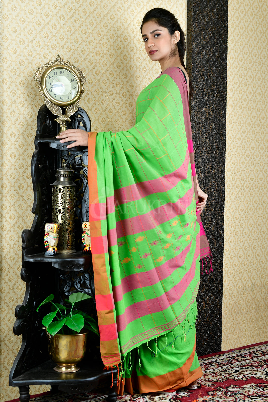 LIGHT GREEN PURE COTTON SAREE WITH ALL OVER WOVEN DESIGN AND PALLU