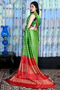 Kelly Green Blended Cotton Saree With Ghicha Stripes And Red Pallu - Charukriti.co.in