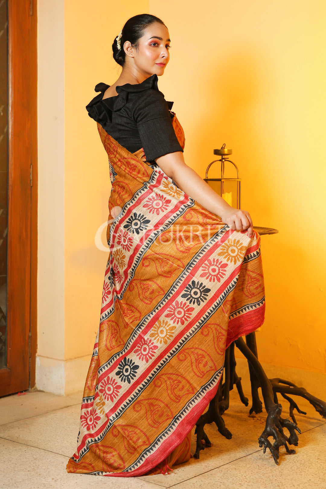 YELLOW BORDERED BEIGE GHEECHA SAREE WITH RED & BLACK BLOCK PRINT