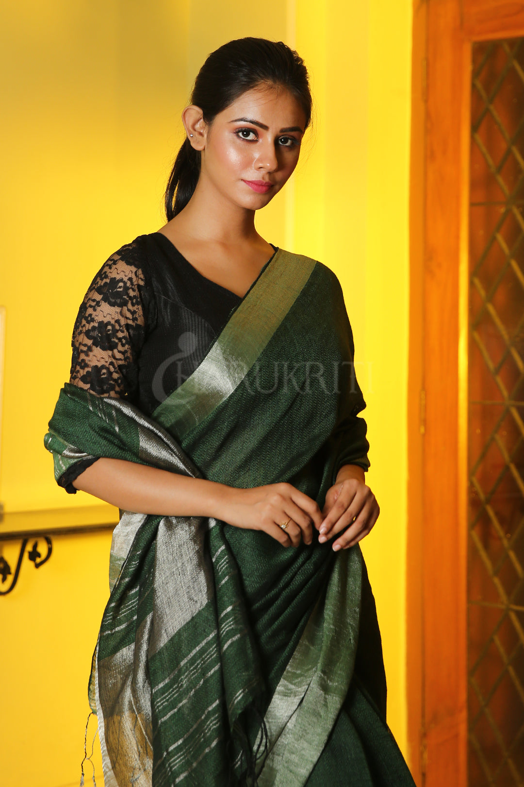 BOTTLE GREEN  PURE LINEN WITH SILVER BORDER AND PALLU