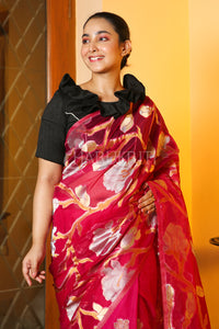 MAGENTA MASLIN WITH FOLRAL WEAVING BODY AND PALLU