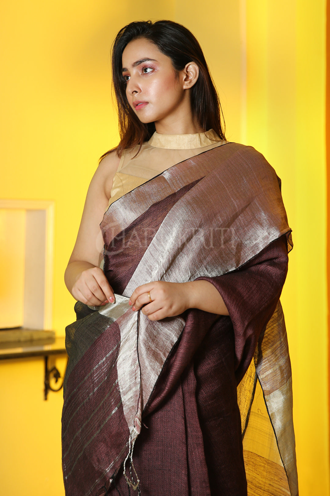 MOCHA BROWN PURE LINEN WITH SILVER BORDER AND PALLU