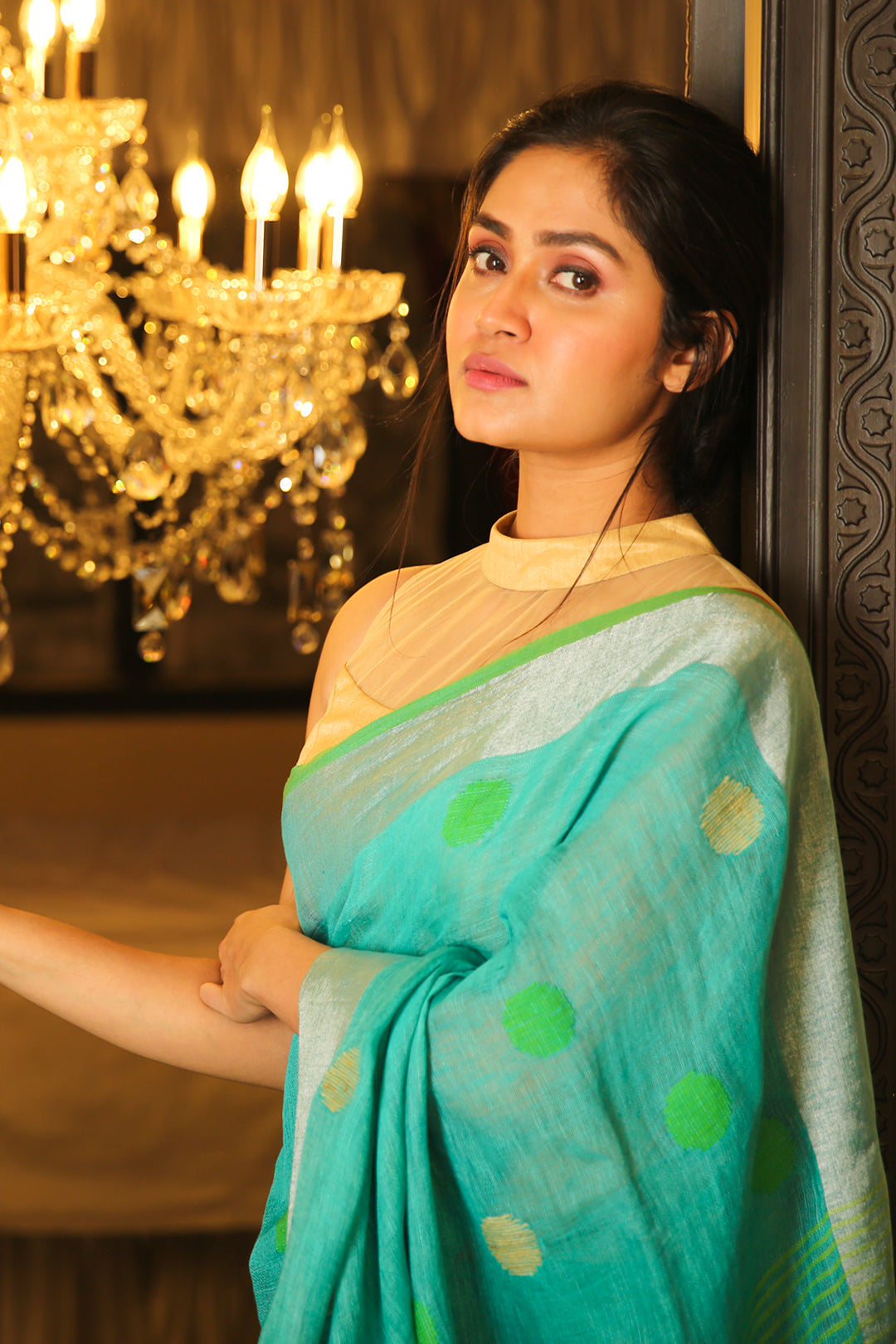 SKY BLUE ZARI BORDERED PURE LINEN WITH POLKA DOT WEAVING AND GREEN PALLU