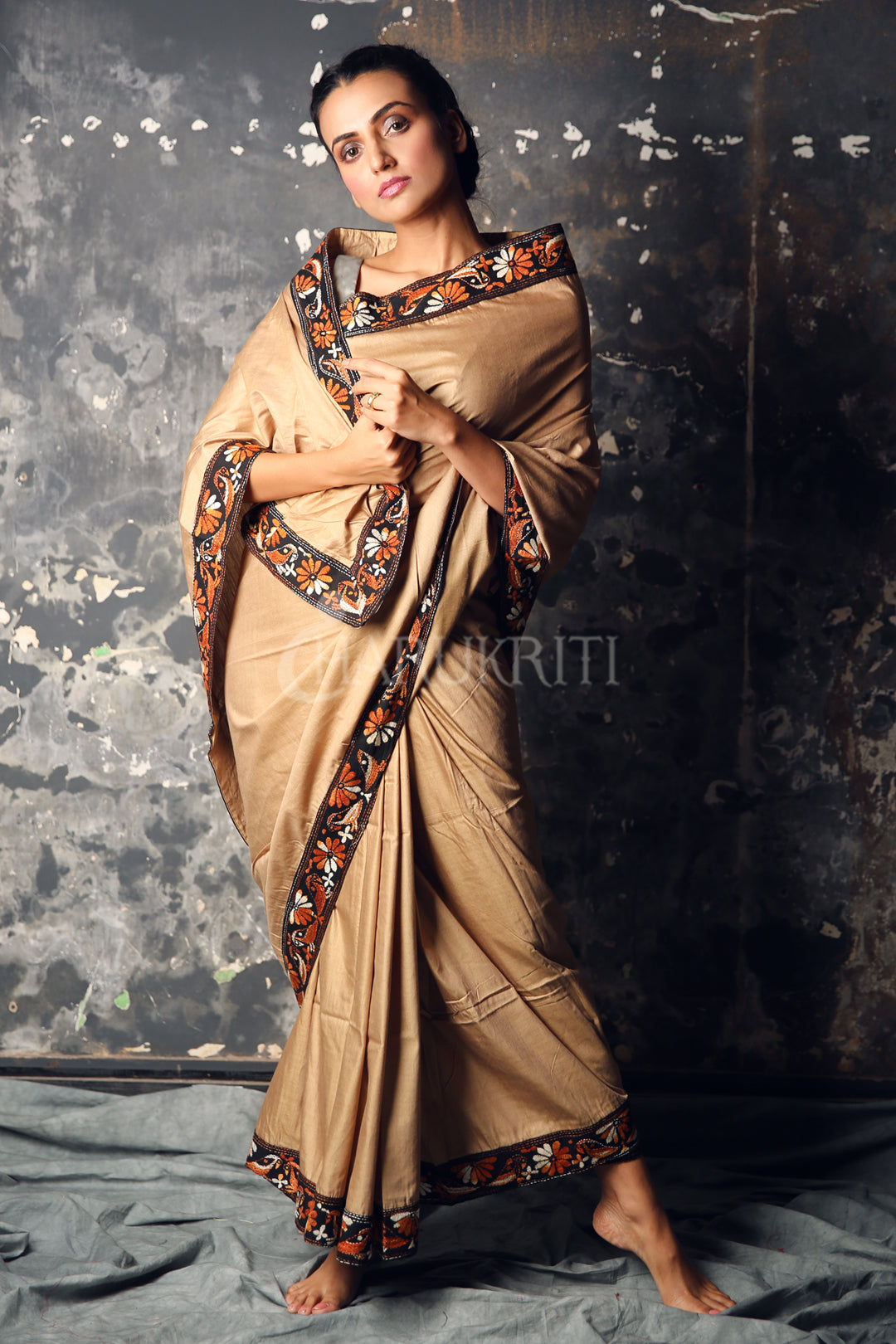 LIGHT BROWN BLENDED SILK SAREE WITH KANTHA STITCHED BOREDER
