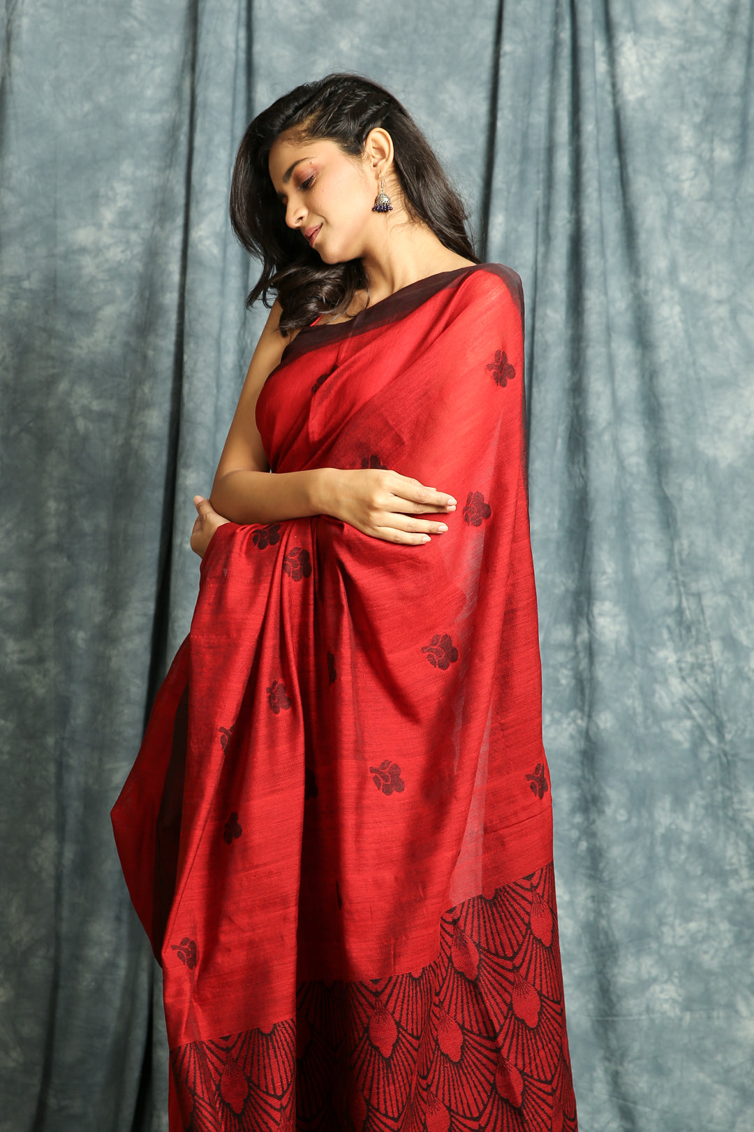 Cherry Red Linen Saree with Rich Weaving Pallu