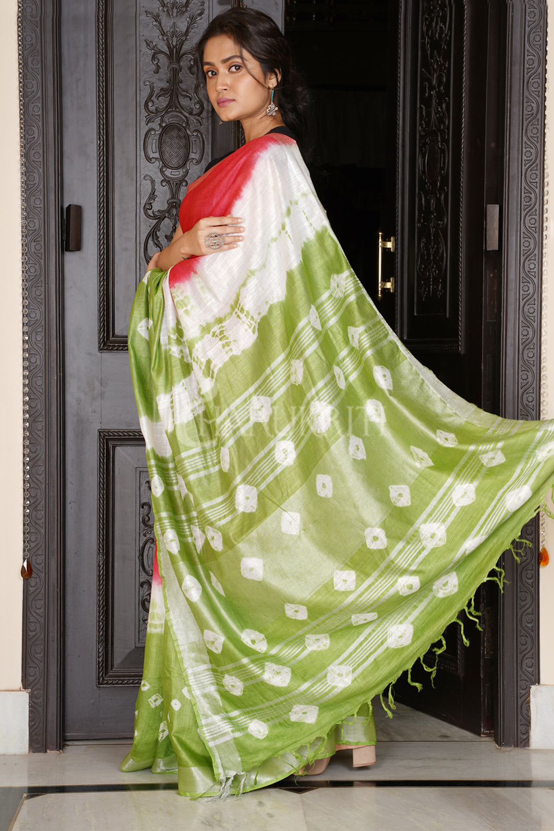 RED AND GREEN TIE & DYE BANDHANI PRINTED LINEN SAREE