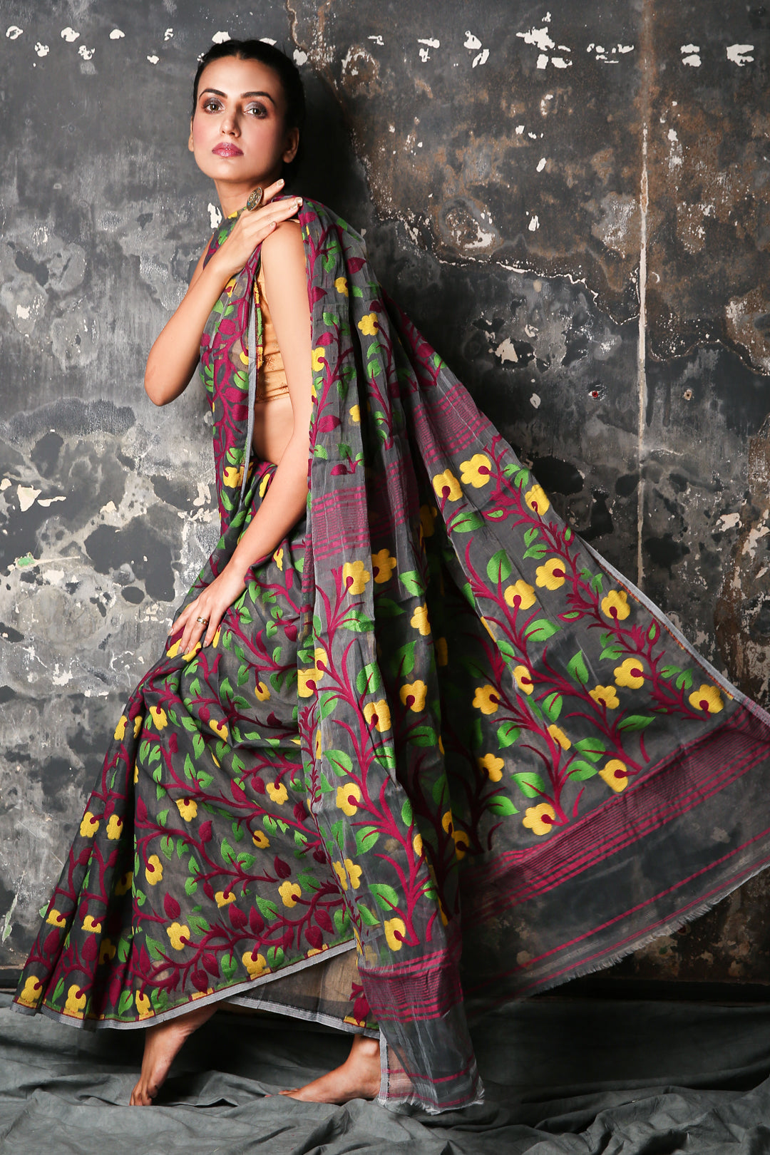 Grey Jamdani Saree With All Over Floral Woven Design